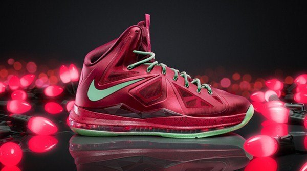 santa-sole-todays-nba-christmas-kicks-imagesLBJ.jpeg