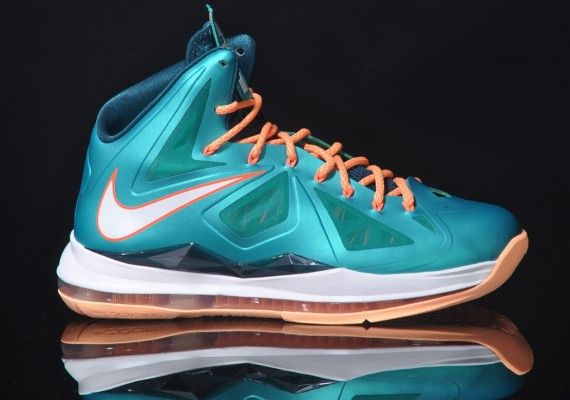cover Nike Lebron X (Sunset) (Miami Dolphins Tribune) Preview