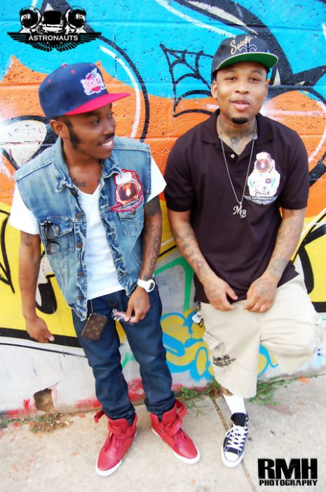 graffitiwall Mont Brown - BubbleGum Ft. Daddy-O (Prod By Pace-O Beats)
