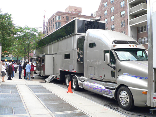 Will-Smith-Personal-Trailer-Men-In-Black-III Will Smith's $1.8 Million Dollar Movie Trailer is bigger than your apartment