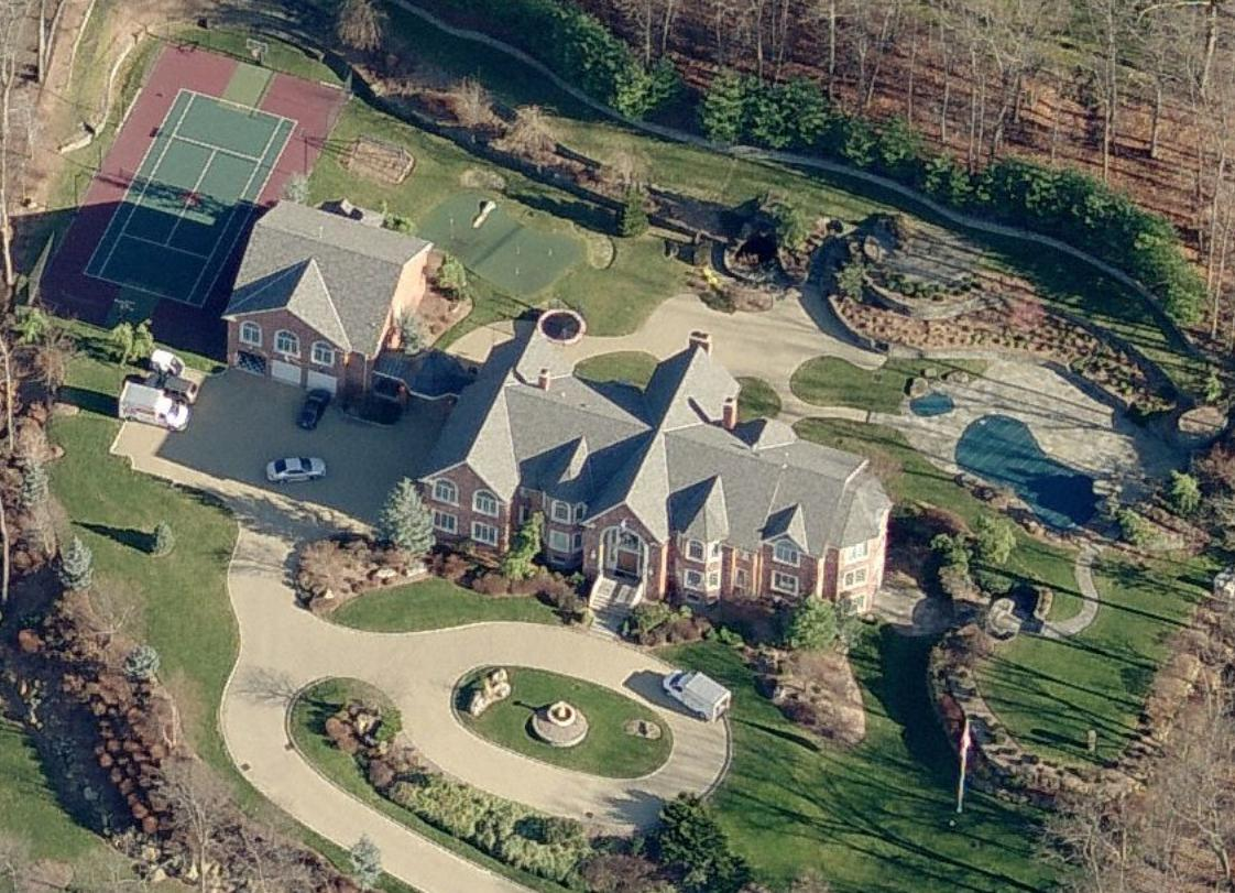 Diddy puts his new jersey mansion on the market for 13 5 for New jersey house music