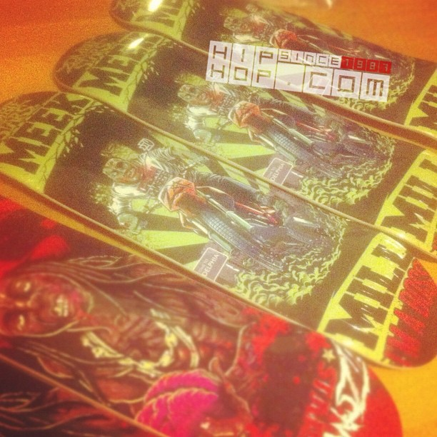 "Sneak Pic of @MeekMill x @CoonPhilly ""@ZombieStars"" Skateboard (Pic Inside)"