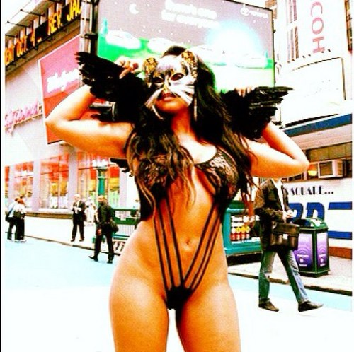 Vanessa-Veasley Vanessa Veasley Takes It All Off In Times Square (NSFW Photo Inside)