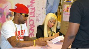 Nicki Minaj F.Y.E. Philly In-Store Album Signing (4/4/12) (Video)