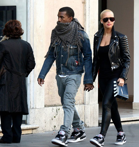 amber-rose-in-jordan-jordans-3-kanye-west-and-kim-kardasian-aka-kimye-couple-were-spotted-walking-in-new-york-city-today-photos-inside
