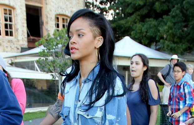 photo 12 Rihanna Shaved The Side of Her Head (Photo Inside)
