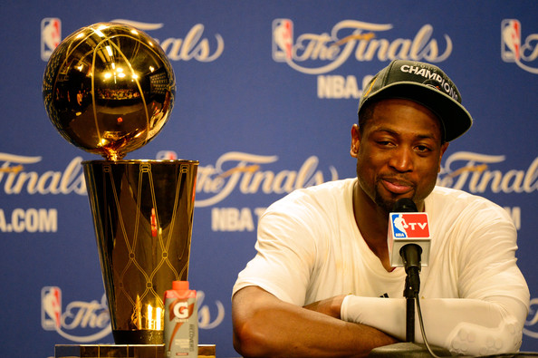 Dwyane Wade Will Miss The 2012 Olympics, Due To Knee Surgery