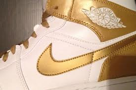 "Jordan-1 GoldMember: Air Jordan 1 Phat ""Golden Moment"" via @eldorado2452"