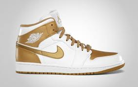 "Jordan-2 GoldMember: Air Jordan 1 Phat ""Golden Moment"" via @eldorado2452"