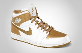 "Jordan-3 GoldMember: Air Jordan 1 Phat ""Golden Moment"" via @eldorado2452"