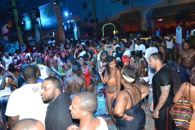 Sahara Sam's - Wet-N-Wild Luau (PHOTOS)