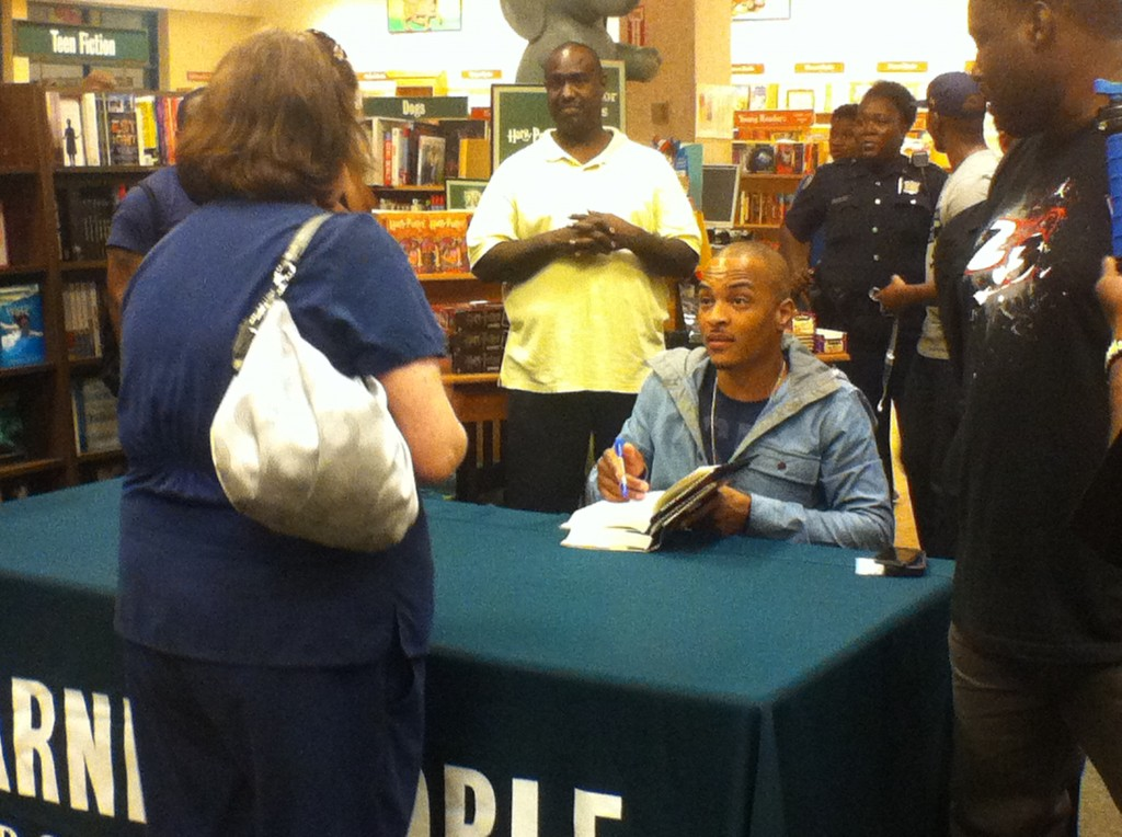"T.I.1-1024x764 T.I. (@TIP) Atlanta Barnes & Noble ""Trouble & Triumph"" Book Signing (Photos)"