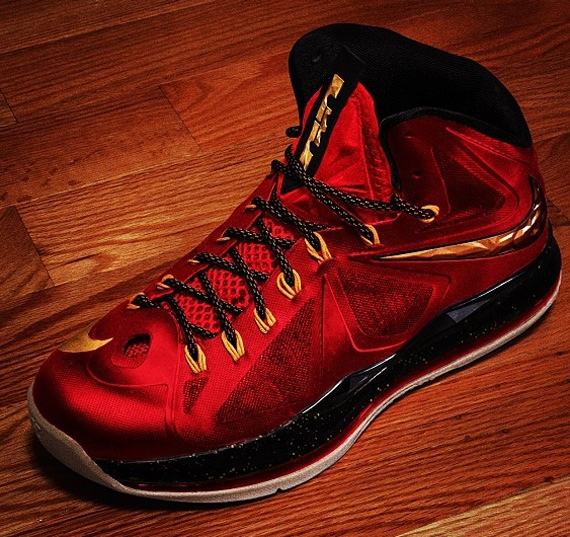 Lebron-X Nike Lebron X (Miami Heat) (Red,Black & Gold)