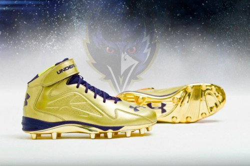 Ray Lewis' Gold Under Armour Commemorative Cleats