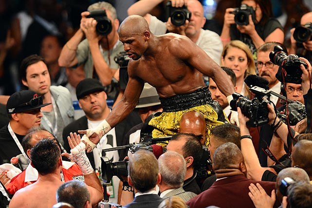 130505013209 mayweather 16 single image cut Floyd Money Mayweather Jr. Defeats Robert Guerrero To Remain Undefeated