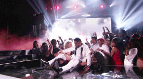 Miguel 2013 Billboard Music Awards Live Performance &amp; Jump On Fan (Video)