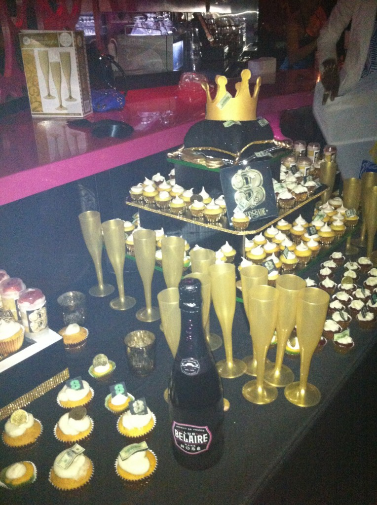 cakes-mikos-maybach-music-group-3-cake-photos.jpeg