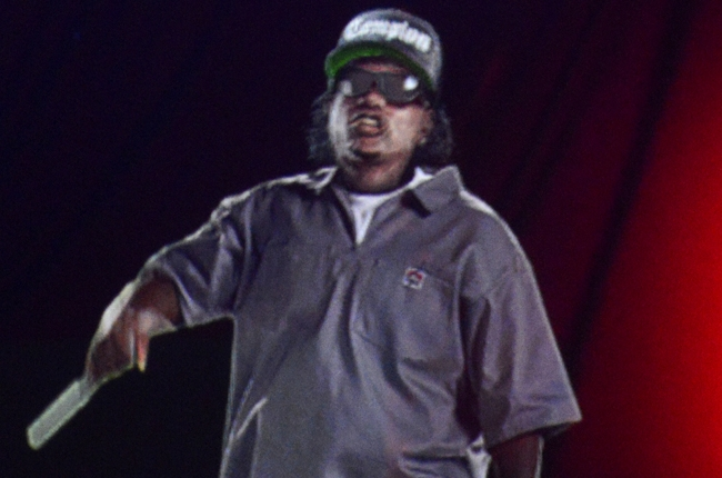 eazye-hologram-performs-rock-bells-2013-honor-50th-birthday-video.jpeg