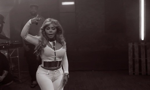 Action Bronson, Star Life Breezy, Travi$ Scott, Tiffany Foxx & Lil Kim – 2013 BET Hip Hop Awards Cypher (Video)