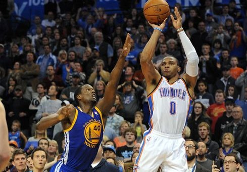 Russell Westbrook Sinks A Game Winner Against The Golden State Warriors (Video)