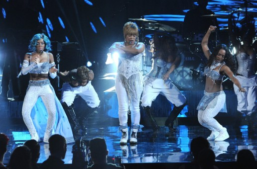 TLC & Lil Mama – Waterfalls (Live at the 2013 American Music Awards) (Video)