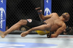 End of a Era: Chris Weidman Keeps His UFC Title After Anderson Silva Snaps His Leg (Video)