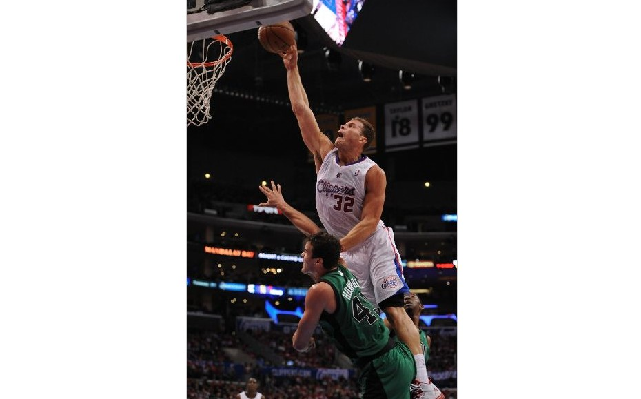 blake griffin posterizes kris humphries video HHS1987 2014 1 Blake Griffin Posterizes Kris Humphries (Video)