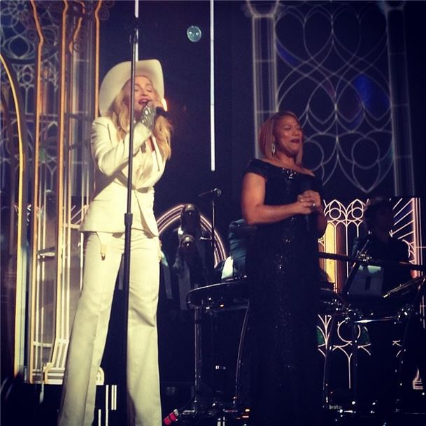 madonnaqueenlatifah Macklemore, Ryan Lewis, Madonna & Queen Latifah   Same Love (Live At The GRAMMYs) (Video)
