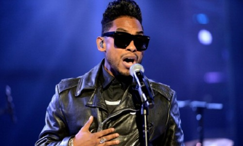 Miguel Performs during the Cliffhanger All Star Concert Series (Video)