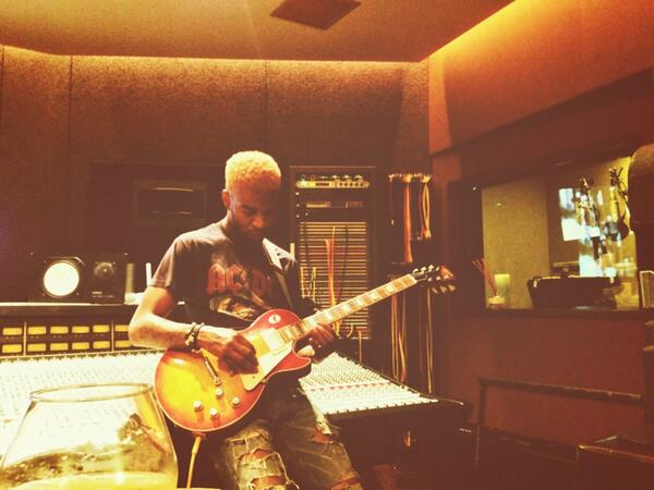 Kid Cudi Rocks Out With The Blonde Hair