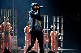 Meek Mill – Stay Woke feat. Miguel (Live @ BET Awards)
