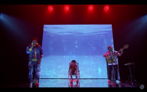 """Screen-Shot-2018-11-29-at-11.32.31-AM-500x313 J.I.D., BJ The Chicago Kid, & Thundercat Perform """"Skrawberries"""" on The Tonight Show (Video)"""