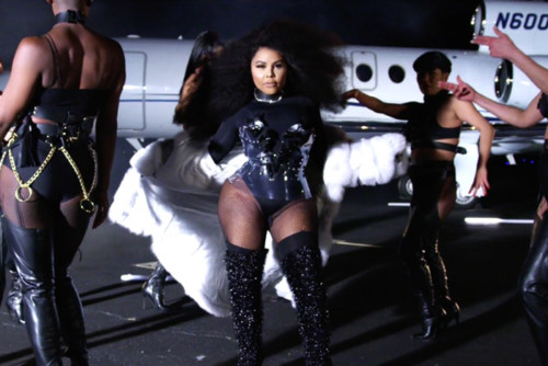 Lil Kim – Go Awff (Video)