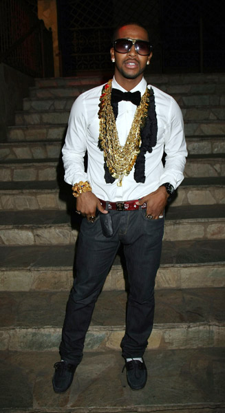 Omarion-26th-birthday-bash-lv-evidence-sunglasses-mcm-belt1 Omarion Admits To Being BiSexual aka A FLAMMER!!!!!!