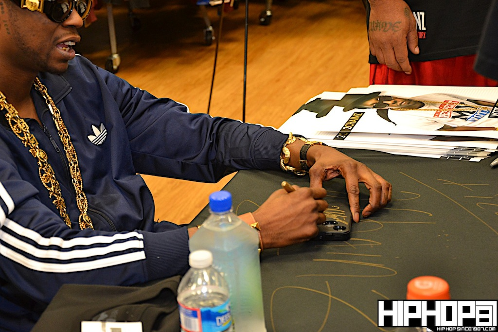 2-Chainz-x-DTLR-Baltimore-8-10-2012-HHS1987-23 2 Chainz - Based on a TRU Story DTLR Baltimore In-Store Signing (Photos)