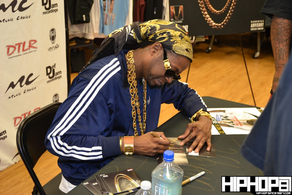 2-Chainz-x-DTLR-Baltimore-8-10-2012-HHS1987-34 2 Chainz - Based on a TRU Story DTLR Baltimore In-Store Signing (Photos)