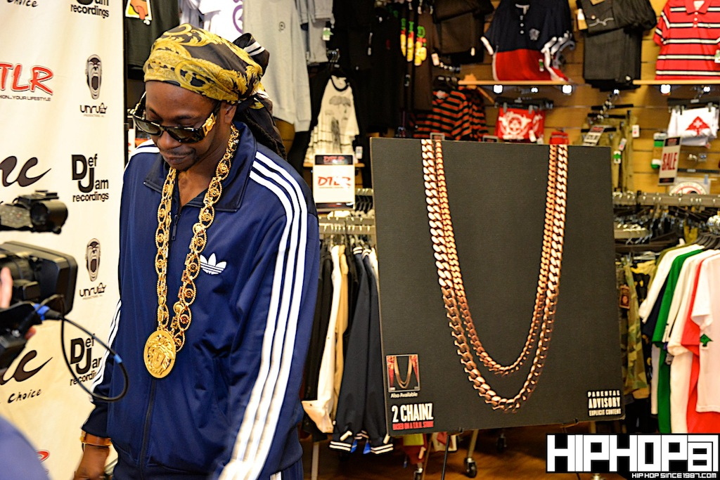 2-Chainz-x-DTLR-Baltimore-8-10-2012-HHS1987-6 2 Chainz - Based on a TRU Story DTLR Baltimore In-Store Signing (Photos)